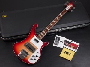 リッケンバッカー ビートルズ BEATLES ベース bass モデル 4001 ポールマッカートニー Paul McCartney クリス・スクワイア Chris Squire レミー・キルミスター Lemmy Kilmister  ロジャー・グローヴァー Roger Glover
