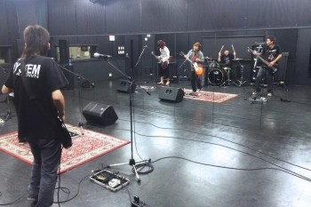 Hスタジオ 演奏 鏡